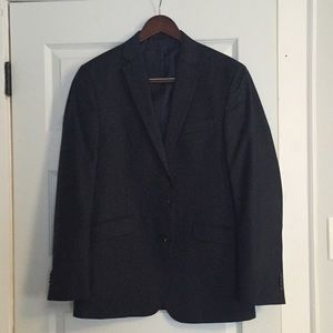 Kenneth Cole Reaction suit navy jacket. 40R 33W.